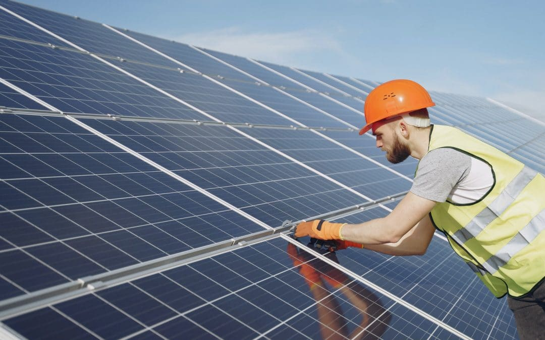4 reasons to switch to solar